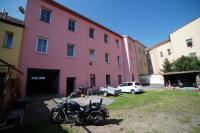 Prodej �in�ovn�ho domu v Lobezsk� ulici v Plzni